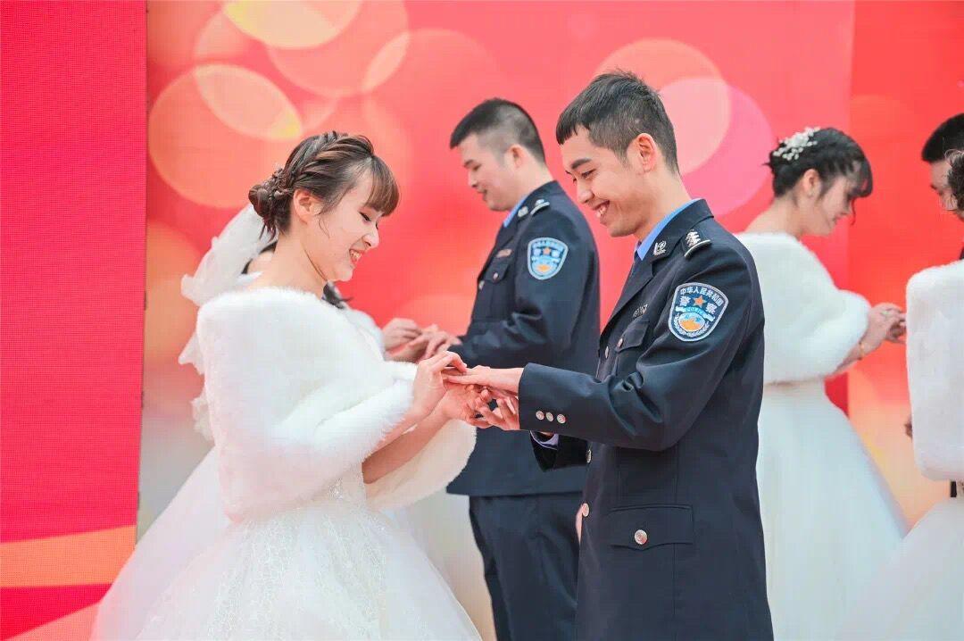 这场集体婚礼,超甜!